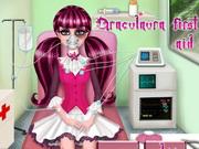 Play Draculaura First Aid