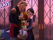 Play Frozen Family Portrait
