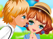 Play Miss Kiss Dressup