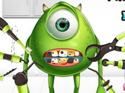Play Monster Eye Tooth Problems