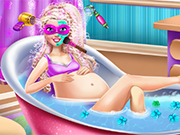 Play Pregnant Super Barbie Spa
