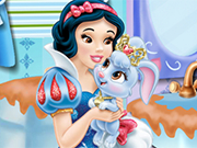 Play Snow White Bathroom Clean-Up