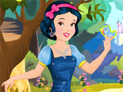 Play Snow White Fantastic Dressup