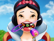 Play Snow White Throat Doctor